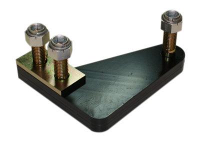 Pletinas de unión de cerrojos de uña en T.U.D., tornillos con tuercas autoblocantes y suplemento